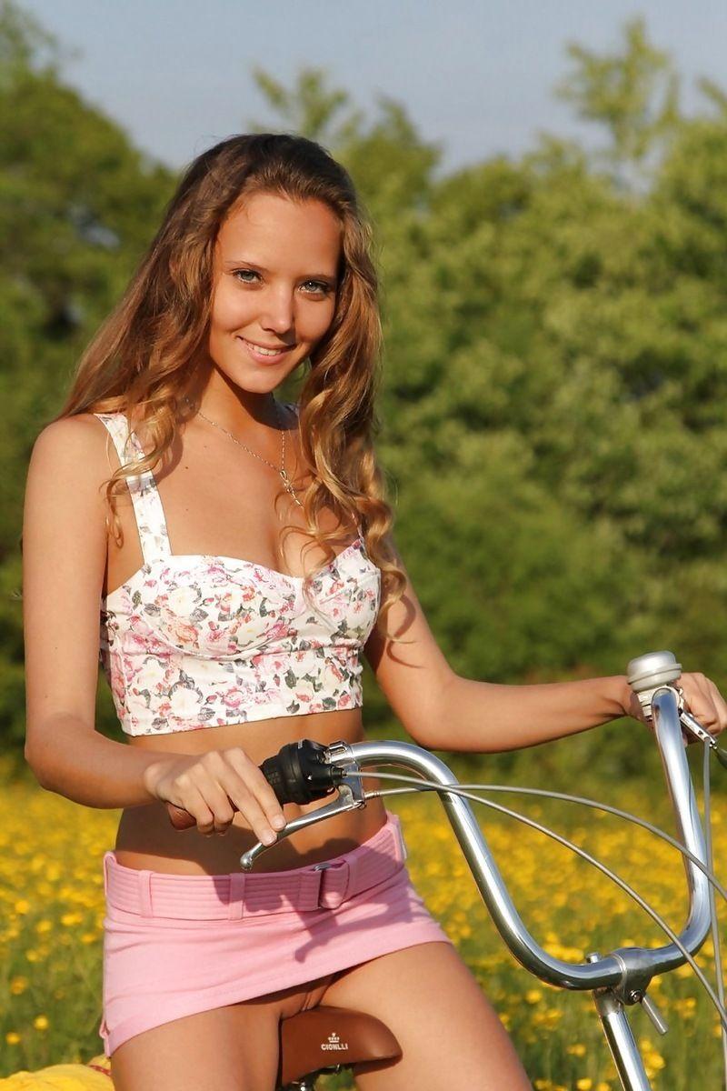 katia clover Katya Clover - Floral Top - Pink Mini Skirt